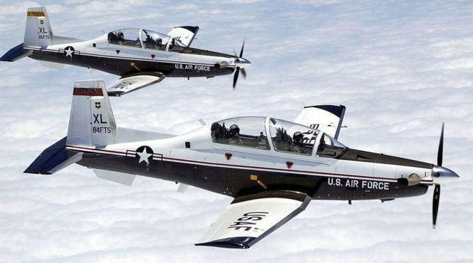 Hawker Beechcraft T-6A Texan II Ground Power Equipment